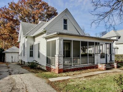 Marshalltown Single Family Home For Sale: 205 S 9th Street