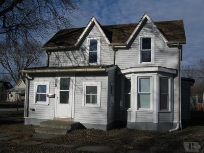 Tama Single Family Home For Sale: 301 E 3rd