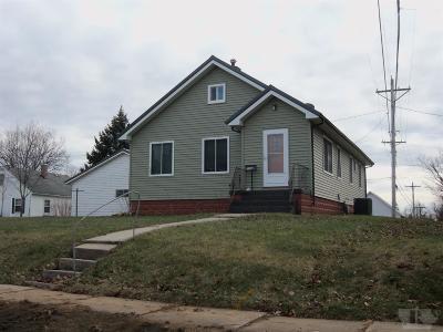Gilman, Toledo Single Family Home For Sale: 104 E Ross Street
