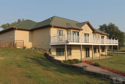 Tama Single Family Home For Sale: 1841 Hwy E69
