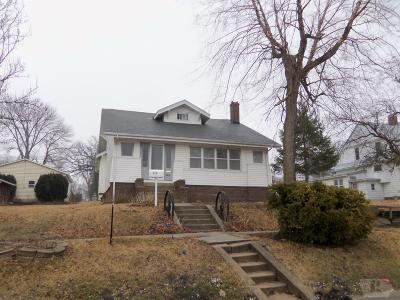 Tama Single Family Home For Sale: 804 Harmon Street