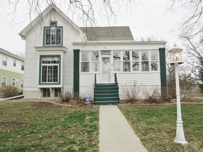 Marshalltown Single Family Home For Sale: 601 W Main Street