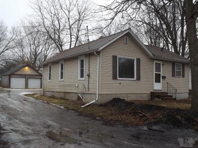 Marshalltown Single Family Home For Sale: 208 S 13th Street