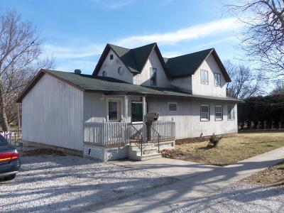 Gilman, Toledo Single Family Home For Sale: 200 Center Street