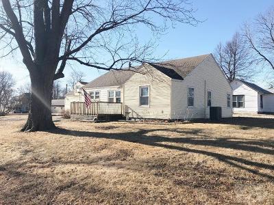 State Center Single Family Home For Sale: 306 4th Avenue NE