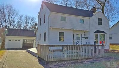 Marshalltown Single Family Home For Sale: 1506 Kalsem Boulevard