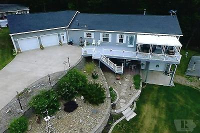 Single Family Home For Sale: 207 Horseshoe Drive
