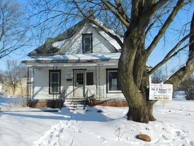 Albion Single Family Home For Sale: 106 E Brown Street