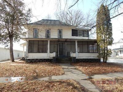 Tama Single Family Home For Sale: 507 McClellan Street