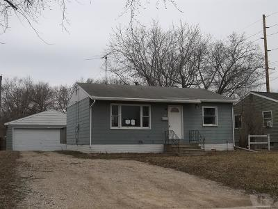 Marshalltown Single Family Home For Sale: 512 N 15th Avenue