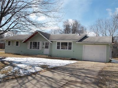 Marshalltown Single Family Home For Sale: 2519 Reyclif Drive