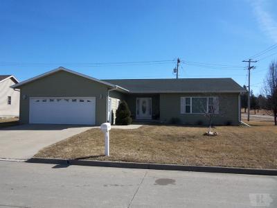 Tama Single Family Home For Sale: 1302 Trojan Road