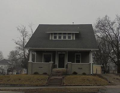 Marshalltown Single Family Home For Sale: 111 S 3rd Street