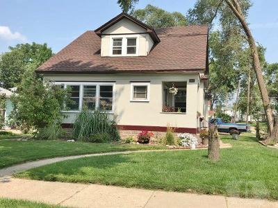 Marshalltown Single Family Home For Sale: 407 W Linn Street