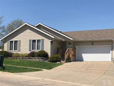 Marshalltown Single Family Home For Sale: 502 E Southridge Road
