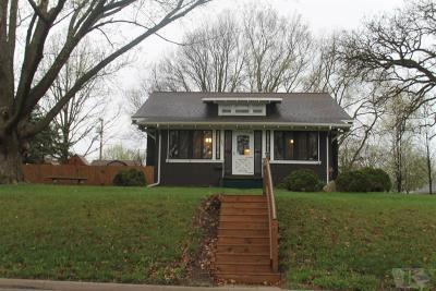 Tama Single Family Home For Sale: 1605 Mc Clellan Street