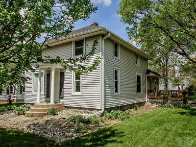 Marshalltown Single Family Home For Sale: 1501 Summit Street