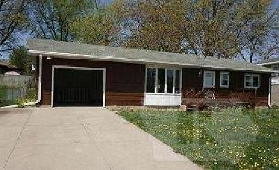 Marshalltown Single Family Home For Sale: 2009 Catalina Place
