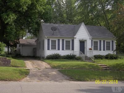 Marshalltown Single Family Home For Sale: 1810 Summit Street