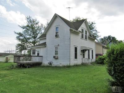 Marshalltown Single Family Home For Sale: 513 E Boone Street
