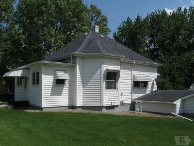 Tama Single Family Home For Sale: 410 E 6th