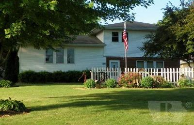 Single Family Home For Sale: 139 W Broad Street