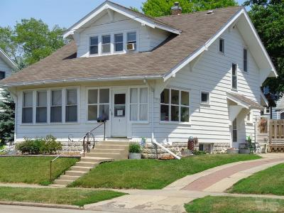 Marshalltown Single Family Home For Sale: 9 N 13th Street