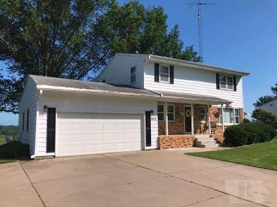 Marshalltown IA Single Family Home For Sale: $189,900