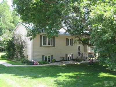 Tama Single Family Home For Sale: 706 Jackson
