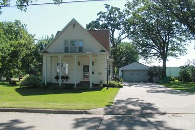 Tama Single Family Home For Sale: 1304 Siegel