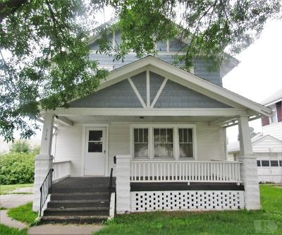 Marshalltown Single Family Home For Sale: 110 W Linn Street
