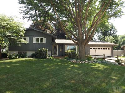 Marshalltown IA Single Family Home For Sale: $169,900