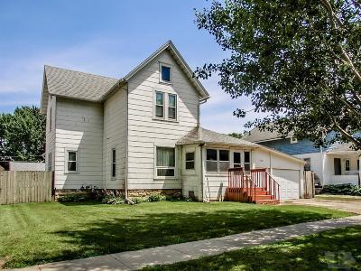 Marshalltown IA Single Family Home For Sale: $57,900