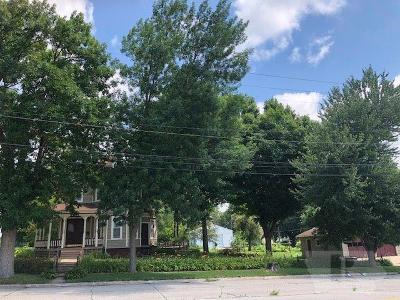 Toledo Single Family Home For Sale: 300 S East