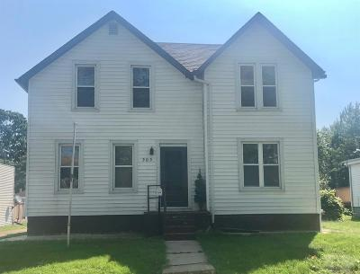 Marshalltown Single Family Home For Sale: 303 N 3rd Street
