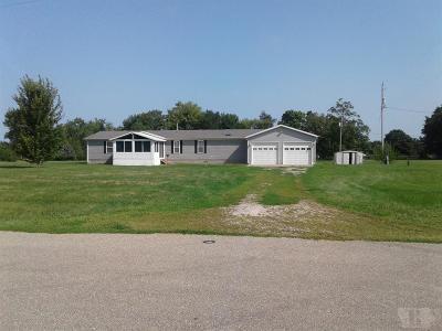 Rhodes Single Family Home For Sale: 157 E Dayton Street