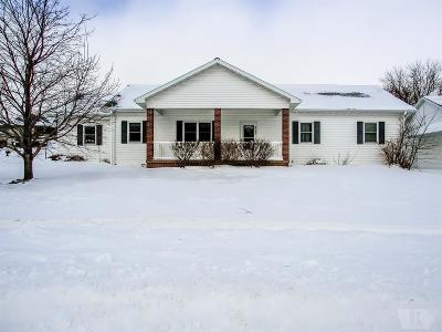 Marshalltown IA Single Family Home For Sale: $229,900