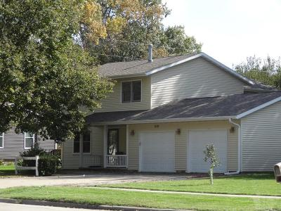 Grinnell Single Family Home For Sale: 318 11th Avenue