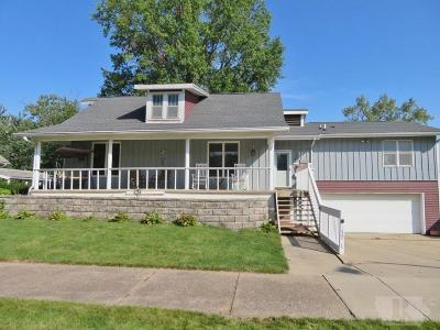 Marshalltown Single Family Home For Sale: 1509 W Main