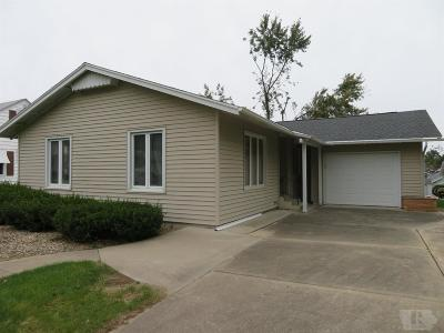 Marshalltown Single Family Home For Sale: 1403 W Main Street