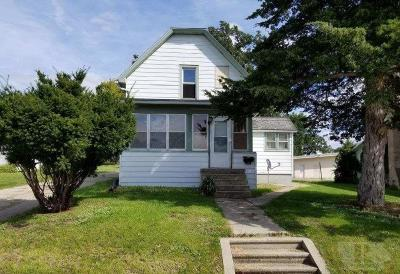 Tama Single Family Home For Sale: 1306 Harding Street