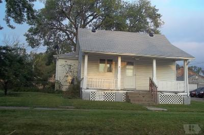 Marshalltown Single Family Home For Sale: 107 S 7th Avenue