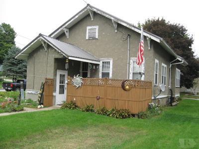 Tama Single Family Home For Sale: 509 Hall
