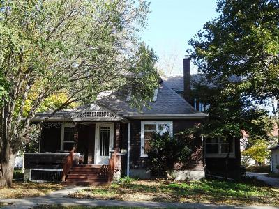 Grinnell Single Family Home For Sale: 1226 Broad Street