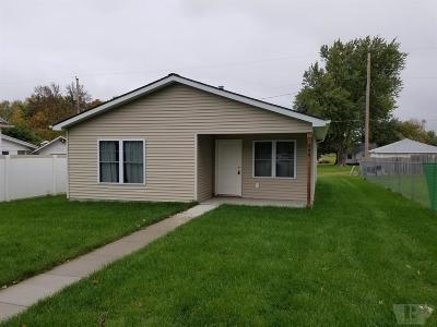 Marshalltown Single Family Home For Sale: 806 May Street