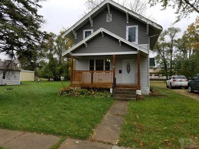 Marshalltown Single Family Home For Sale: 1203 E Nevada Street