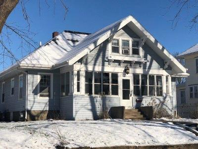 Marshalltown Single Family Home For Sale: 1103 W Church Street