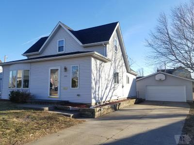 Marshalltown Single Family Home For Sale: 1008 W State Street
