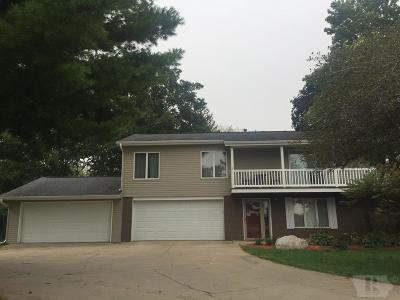 Marshalltown IA Single Family Home For Sale: $179,900
