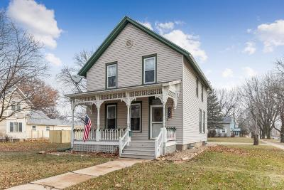 Grinnell Single Family Home For Sale: 802 East Street